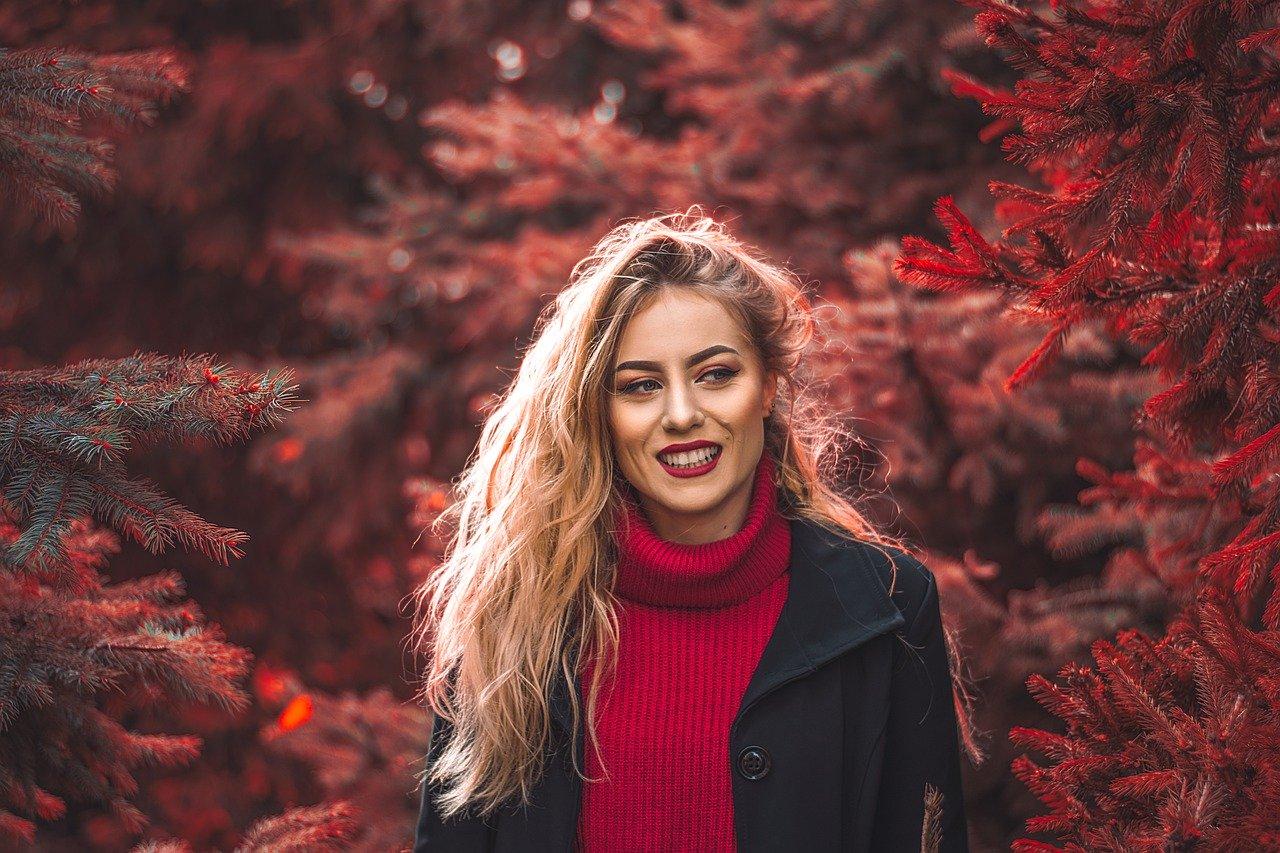Dlaczego warto zainspirować się jesienną garderobą znanych osób?