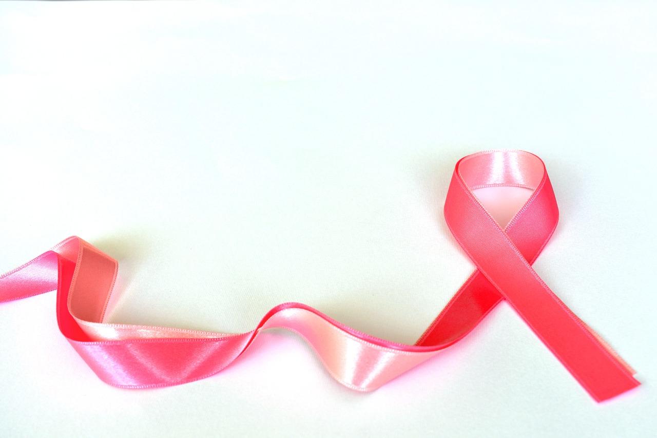 Nowotwór piersi u kobiet – jak wygląda leczenie w Polsce?