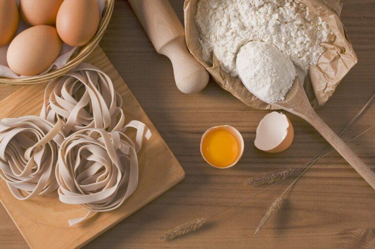 Mąka niezbędna w każdej kuchni – co warto o niej wiedzieć?