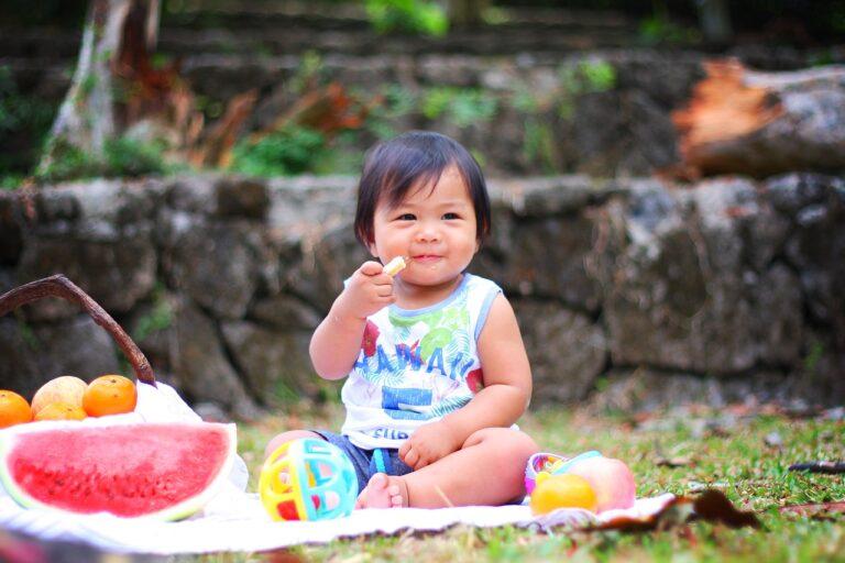 Kiedy jest najlepszy czas na urozmaicanie diety malucha?