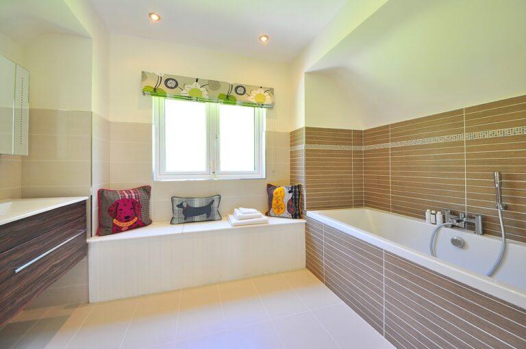 Jak urządzić ponadczasową łazienkę?
