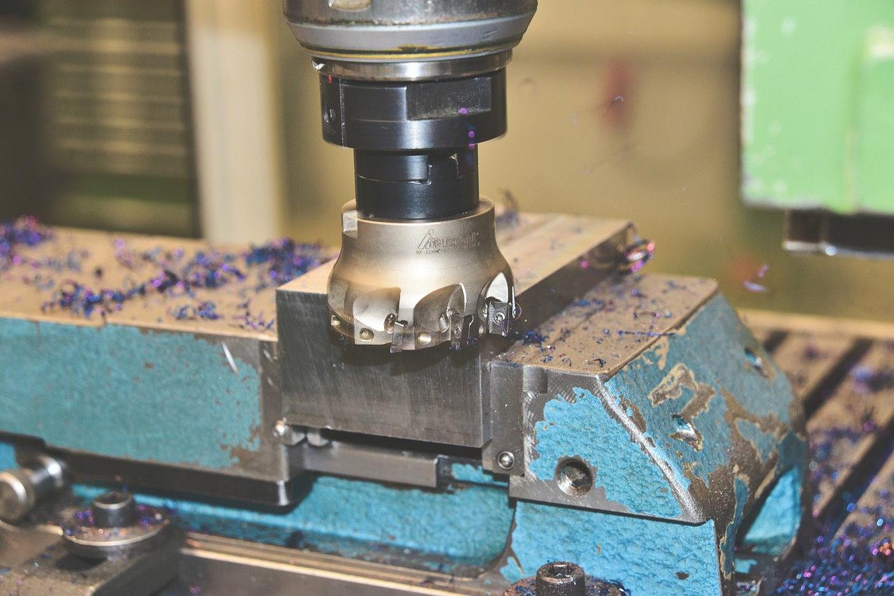 Co daje obróbka CNC w praktyce?