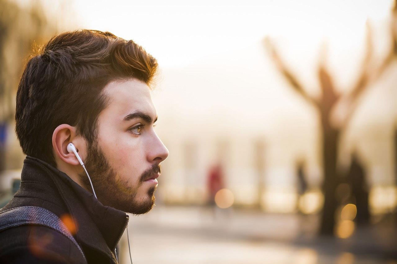 Jak wybrać dobry barber shop? Przydatne wskazówki dla brodaczy
