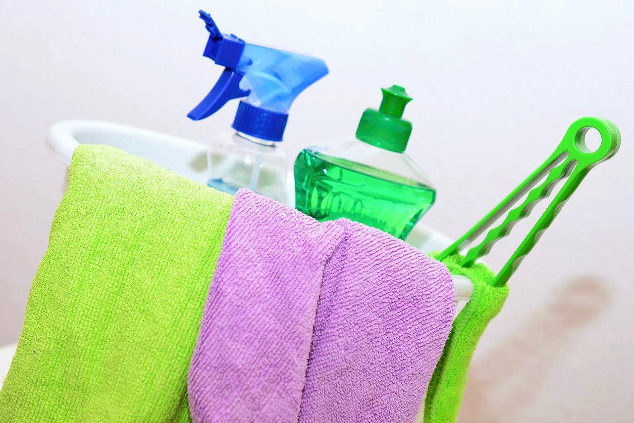 Profesjonalne sprzątanie mieszkania – dlaczego warto skorzystać z usługi?